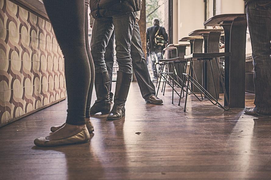 restaurant-people-feet-legs-large